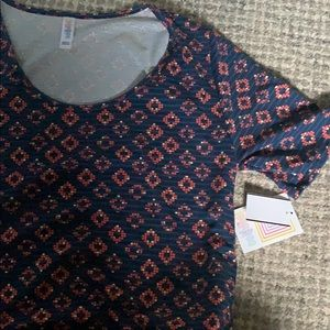 LuLaRoe perfect tee size Large